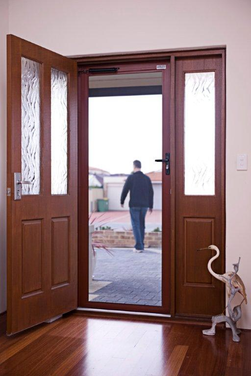Clearshield-Stainless-Steel-Security-Door-with-Woodgrain